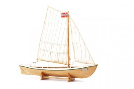 1:20 TORBORG - WOODEN HULL